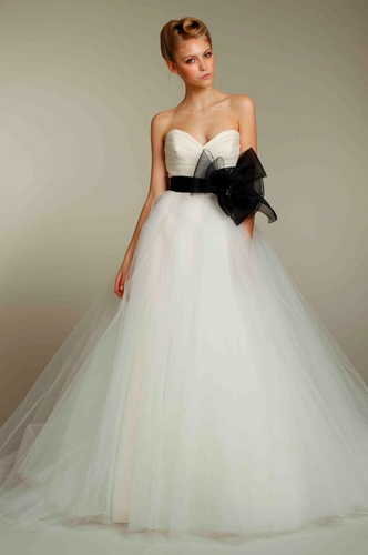 Wedding Dresses - Hannah Elizabeth Bridal Boutique