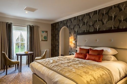 Guest Accommodation - Oakley Hall Hotel