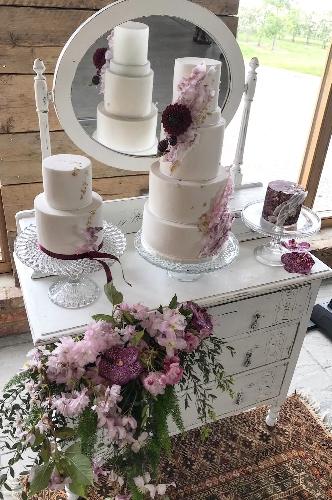 Cakes - Chelsea Buns Creative Cakes