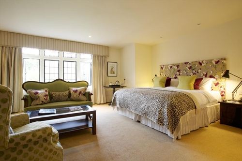 Guest Accommodation - The Hare and Hounds Hotel