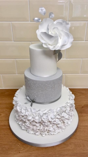 Cakes - Cakeberry Corner