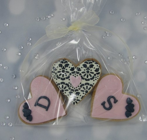 Favours - Quintessential Cookies & Cakes