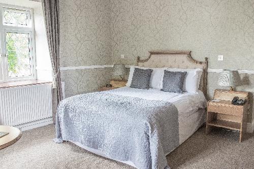 Guest Accommodation - Llechwen Hall Hotel