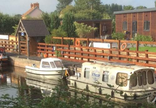 Somerset Boat Centre