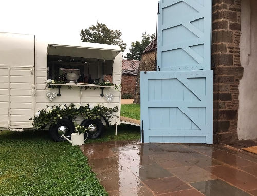 The Lovely Bubbly Horsebox