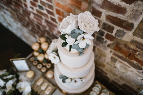 Wedding Cakes by Lisa