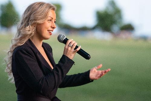 Alice Manville Professional Singer