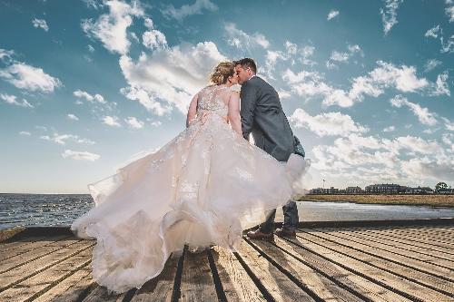 Ashley Barnard Wedding & Portrait Photographer