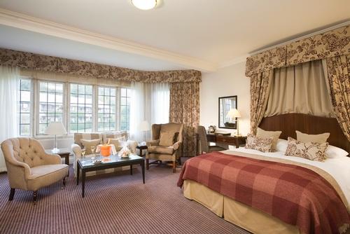 Guest Accommodation - Mercure Burford Bridge Hotel
