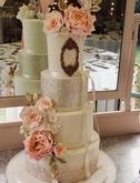 Higgins Bespoke Cakes